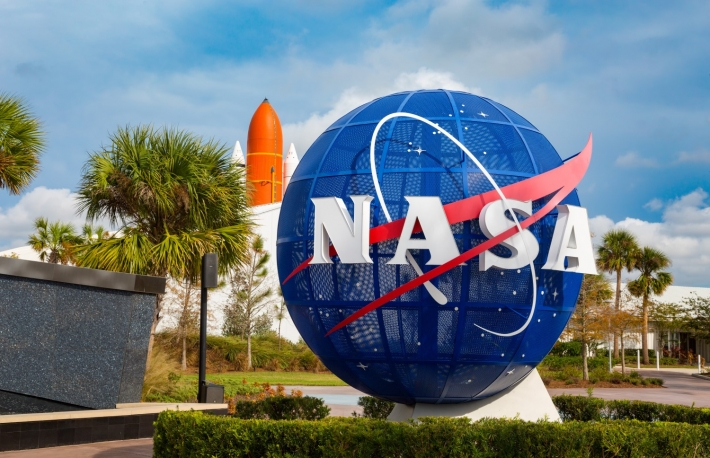 https://www.shutterstock.com/image-photo/cape-canaveral-florida-usa-jan-2017-548715667?src=cXb4aDrS13x5YgYd_dn1dQ-1-1
