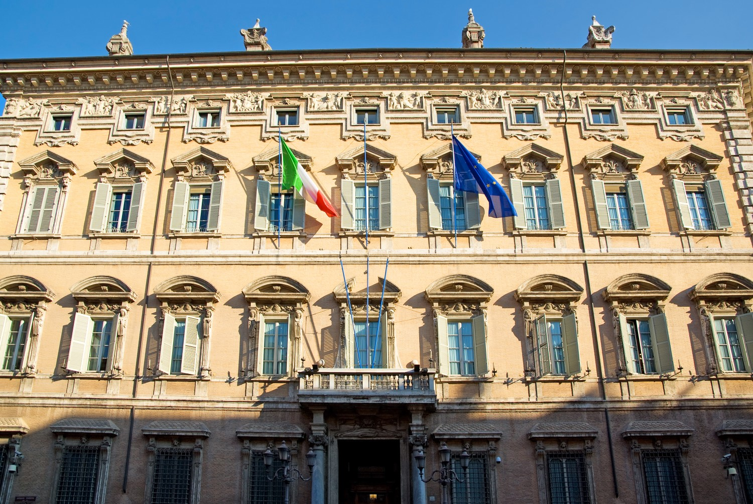 Italy's Senate Moves to Set Legal Foundation for Blockchain Timestamps