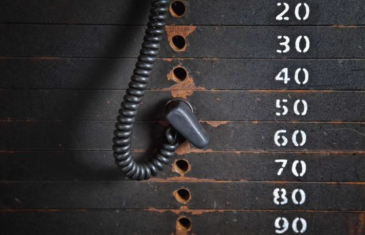 https://www.shutterstock.com/image-photo/old-rusty-weight-stack-gym-126234608