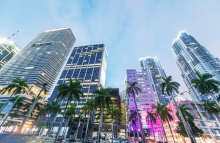 https://www.shutterstock.com/image-photo/miami-february-25-2016-city-streets-400401226?src=Kk8FqUfOA9Pc0IMNlhGjZA-1-17