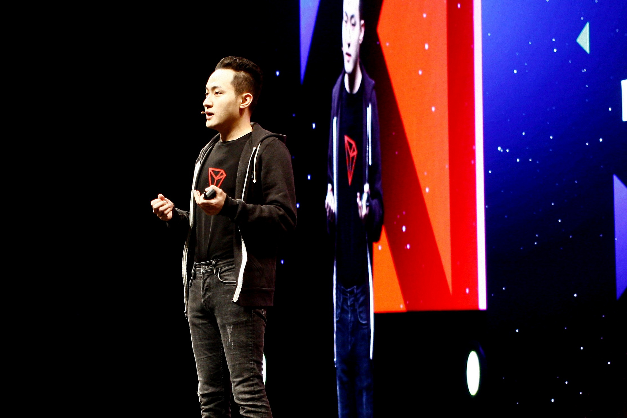 Justin Sun and Warren Buffett Will Dine on Tron CEO's Turf