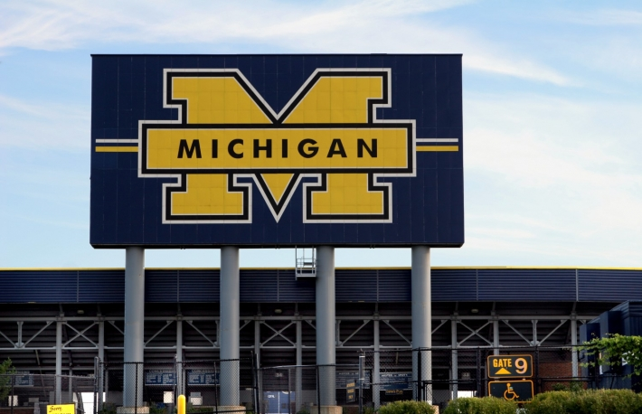 https://www.shutterstock.com/image-photo/michigan-football-stadium-517859?src=D-OAzSQfQsZrkrsnJ8PHWA-1-37