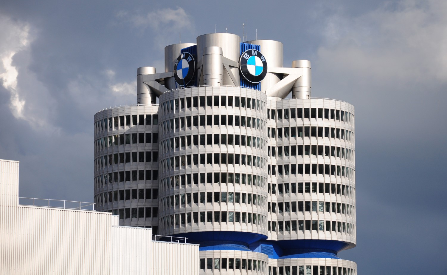 BMW, Intel Partner With Government-Backed Blockchain Accelerator