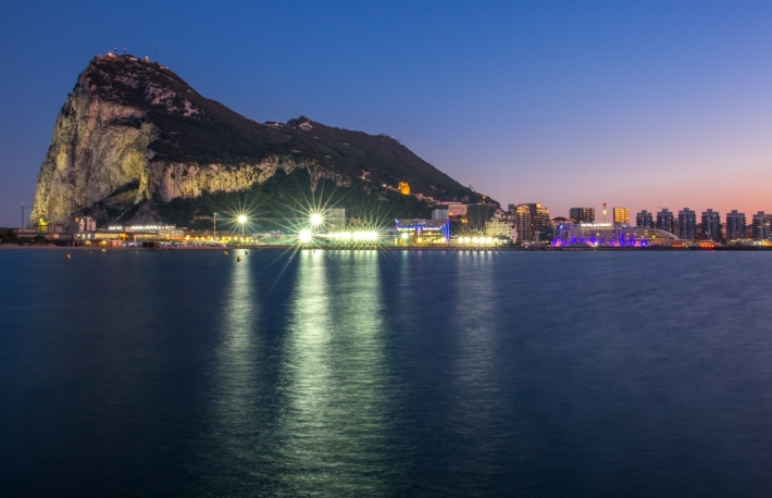 https://www.shutterstock.com/image-photo/rock-gibraltar-by-night-clear-blue-1033124548?src=aaDwb0MRaRhSEaVkq_PDNQ-1-2