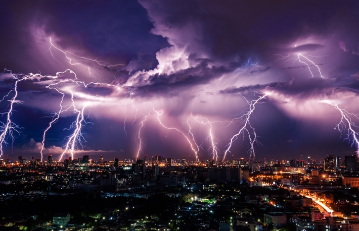 https://www.shutterstock.com/image-photo/lightning-storm-over-city-purple-light-281493026?src=Lzwftt4pKdzzZAb_pyxn9g-1-0