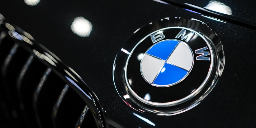 GM, BMW Back Blockchain Data Sharing For Self-Driving Cars