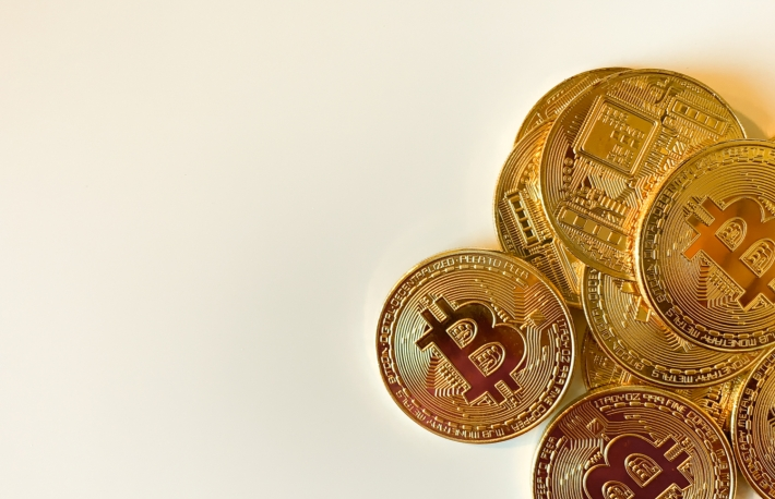 https://www.shutterstock.com/image-photo/golden-bitcoins-on-white-background-bitcoin-1295061121?src=Ob9oFGJepBnzi-LlUwY8zw-1-11