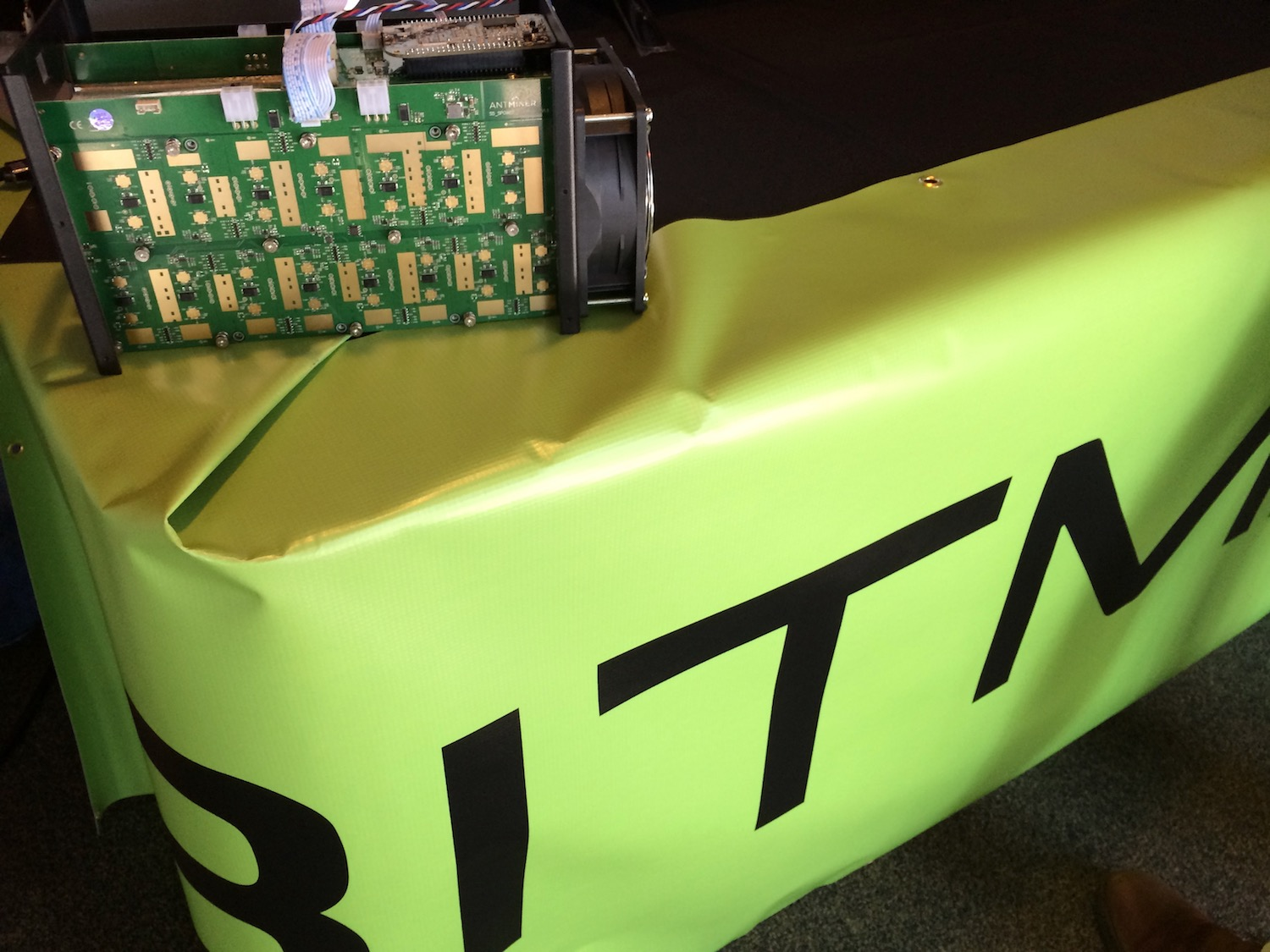 Bitmain Delays Bitcoin Miner Shipments by Three Months...