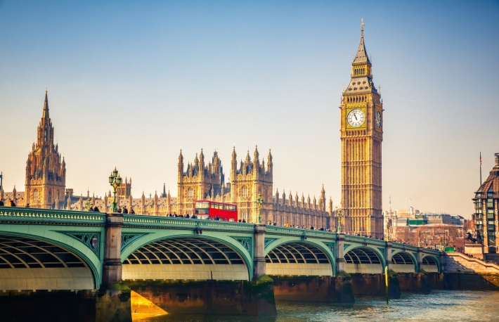 https://www.shutterstock.com/image-photo/big-ben-westminster-bridge-london-412054315?src=hjUQ7aPLG3ox5JrhSywOAw-1-45