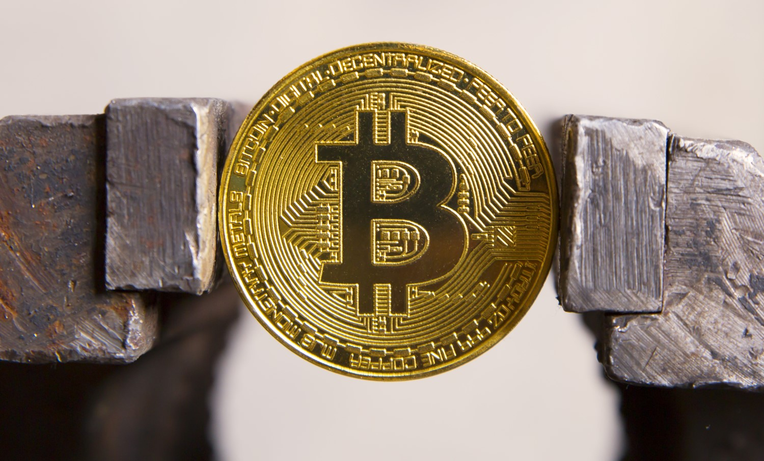 No Man's Land: Bitcoin Price Locked in $600 Range for 7th