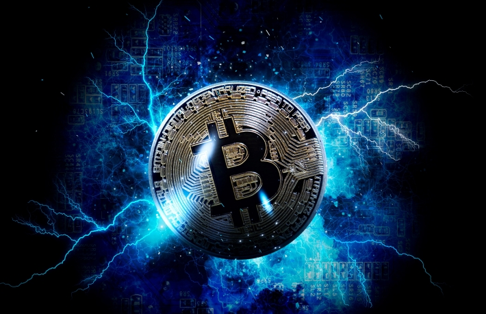 https://www.shutterstock.com/image-photo/gold-bitcoin-coin-cryptocurrency-792061711?src=5qIQVlEsjjzN29NYpK__hA-1-0&studio=1