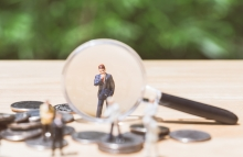 miniature_magnifying_glass_shutterstock