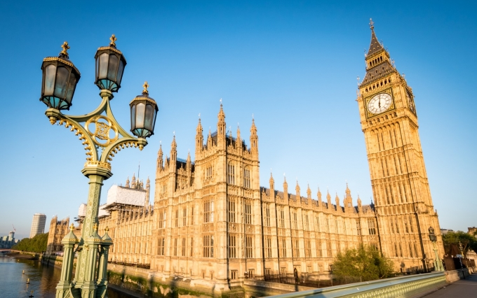 https://www.shutterstock.com/image-photo/big-ben-houses-parliament-london-low-552205717?src=4h9ihUwr0SLqaynHCudC3Q-1-65&studio=1