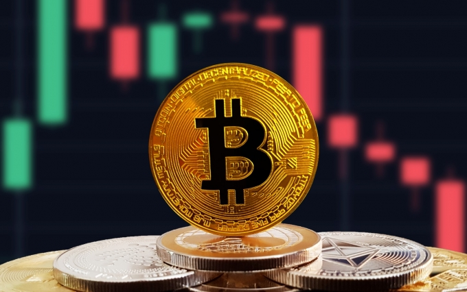 https://www.shutterstock.com/image-photo/bitcoin-btc-on-stack-cryptocurrencies-falling-1149505394?src=y4EFq8BxJSTEwn-5Ct_-og-1-34&studio=1