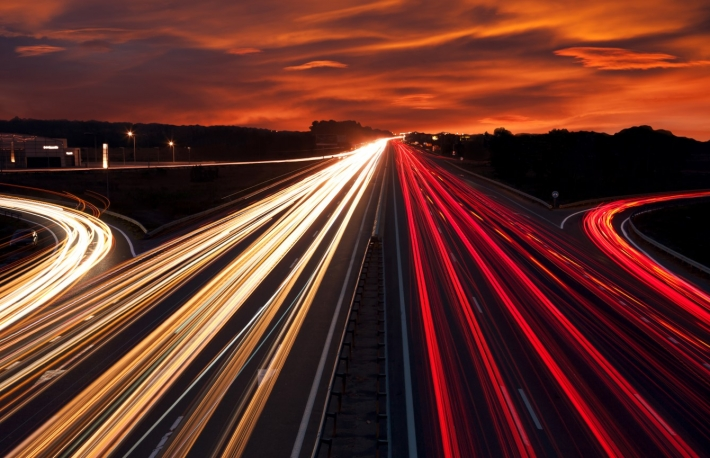 https://www.shutterstock.com/image-photo/speed-traffic-light-trails-on-motorway-217393057?src=n4KvwKoqeObUFAmXyVHLQA-1-22&studio=1
