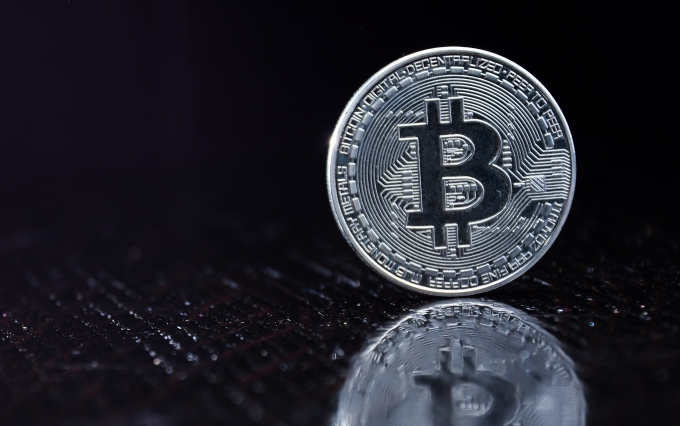 https://www.shutterstock.com/image-photo/bitcoins-new-virtual-money-concept-silver-1174160050?src=d_c2Qzxt7kTDbcGU6TjtTQ-1-1