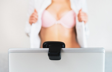 https://www.shutterstock.com/image-photo/woman-working-webcam-model-shows-her-768465766?src=gc5hyVlVe7vi5OGbZM9G4Q-1-3&studio=1
