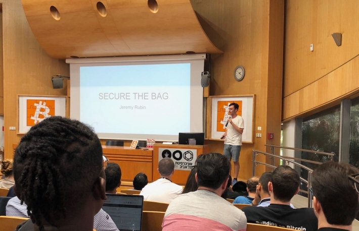 Bitcoin Core contributor Jeremy Rubin speaks at Scaling Bitcoin Tel Aviv, photo by Leigh Cuen for CoinDesk