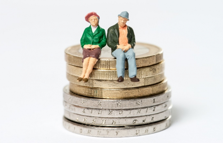https://www.shutterstock.com/image-photo/retired-elderly-couple-sitting-on-euro-562669885?src=-1-8