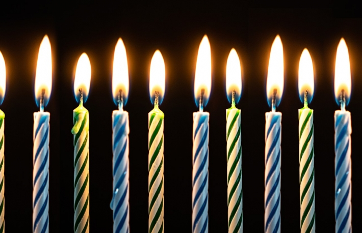 https://www.shutterstock.com/image-photo/birthday-candles-blue-green-boy-1462796429?src=IB8NGSqWnJktqH5bf0aeQg-1-8