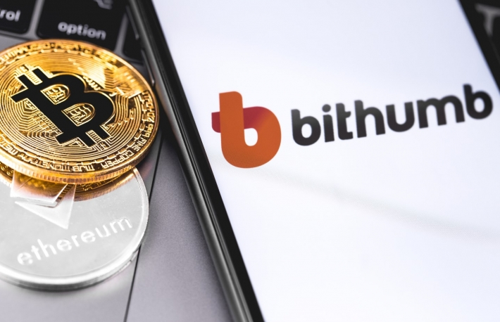 https://www.shutterstock.com/image-photo/bitcoins-bithumb-logo-cryptoexchange-on-screen-1311717584?src=254a884f-1fda-45d3-8364-9f3cf30c33f3-1-5