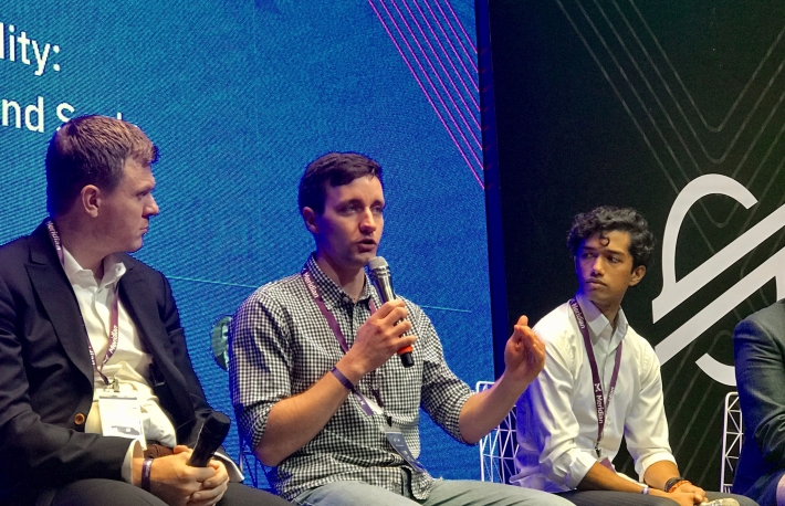 From left to right:Ian McAfee, CEO, Shift Markets;Sergey Yusupov, Apay; and Thomas Scaria, Wyre alum, speaking on a panel at Stellar Meridian 2019. Photo by Brady Dale for CoinDesk.