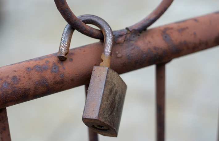 https://www.shutterstock.com/image-photo/old-rusty-padlock-on-fence-broken-1656861808