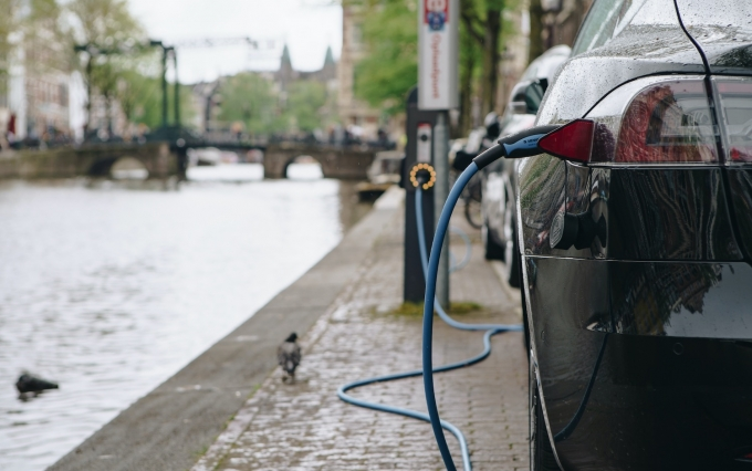 https://www.shutterstock.com/image-photo/amsterdamnethrelands26-april2019-modern-tesla-car-charging-1419323513
