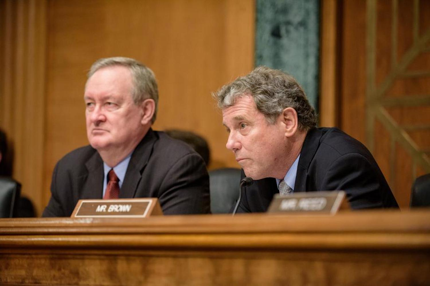Top members of the Senate Banking Committee plan to introduce legislation that would direct the congressional watchdog to study virtual currency's role in drug and human trafficking.
