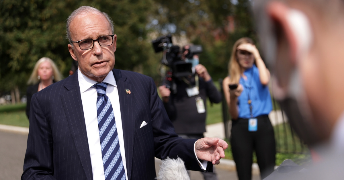 Pelosi, Kudlow Signal Market-Moving US Stimulus May Wait Till After Election: Report