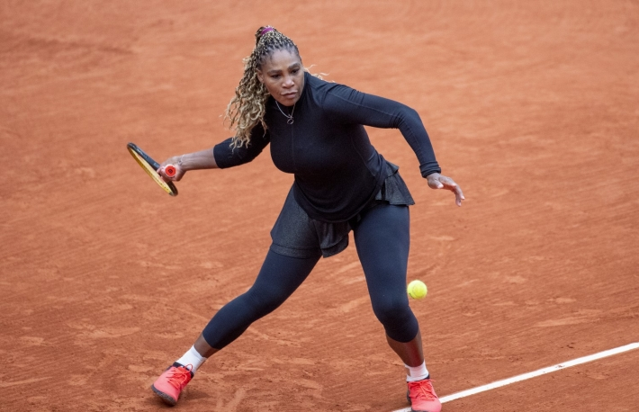 https://www.gettyimages.com/detail/news-photo/september-28-serena-williams-of-the-united-states-in-action-news-photo/1277292976?adppopup=true