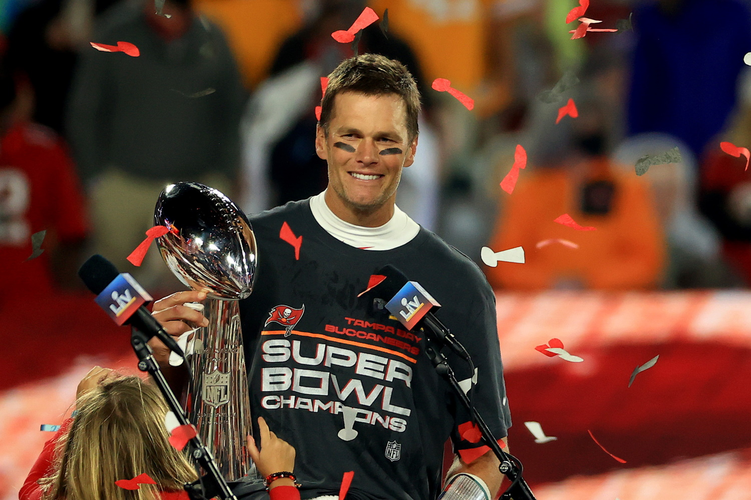 Tom Brady's NFT Platform Autograph Partners With Lionsgate and DraftKings -  CoinDesk