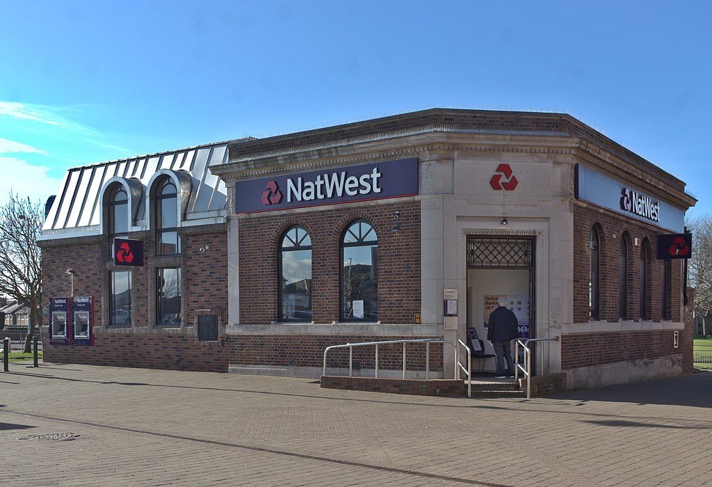 UK Bank NatWest Limits Amount Users Can Transfer to Crypto Exchanges