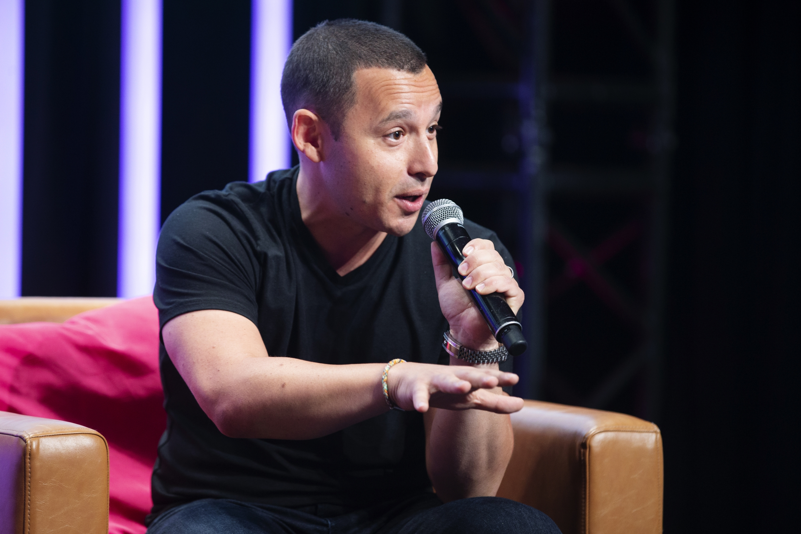 Shopify to Allow Merchants to Sell NFTs Directly Through Their Stores
