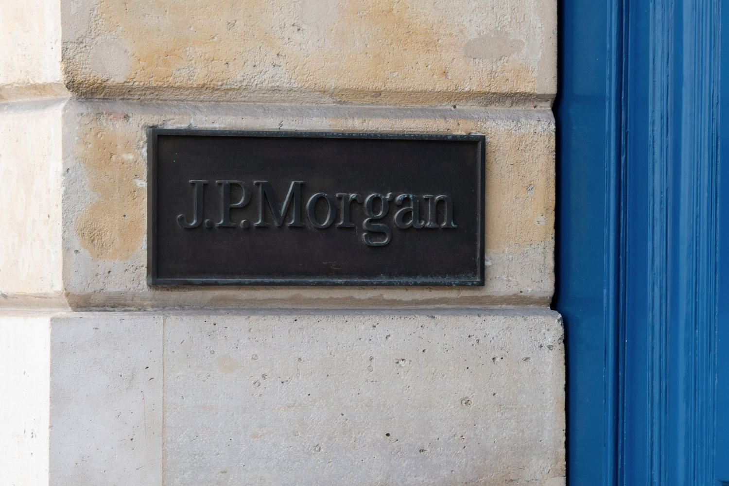 JPMorgan's Retail Customers Can Now Tap Crypto – Just Not Directly
