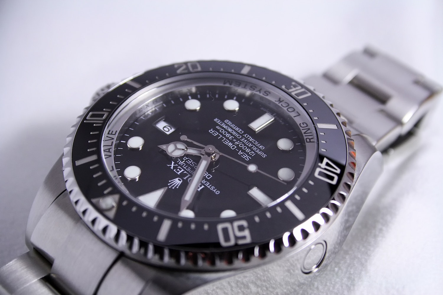Rolexes in DeFi? NFT Marketplace 4K Raises $3M to Combine NFTs and Luxury Goods