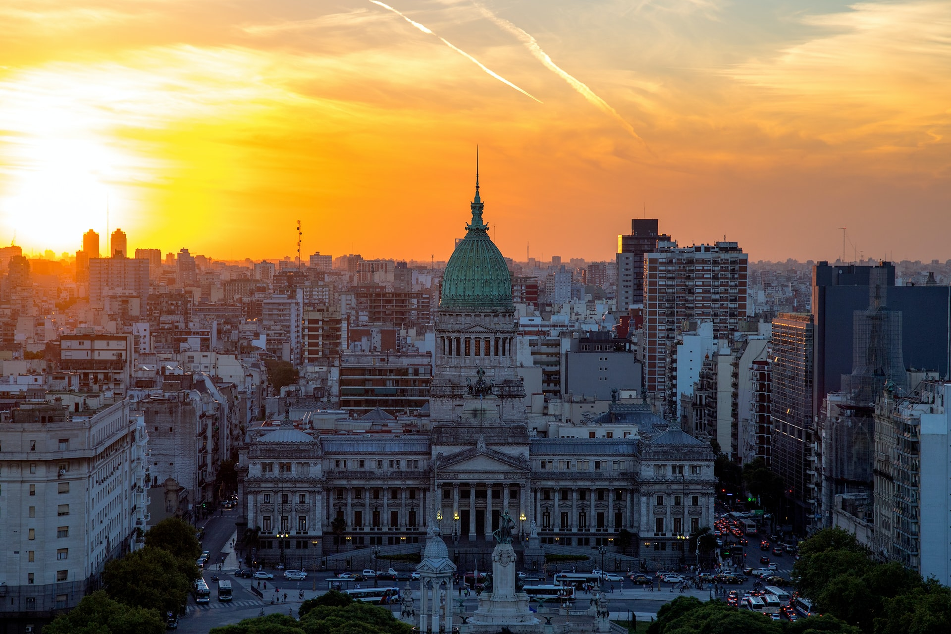 Argentine Lawmaker Proposes Bill for Businesses to Pay Employees in Crypto